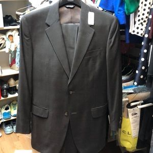 Jos A Bank BRAND NEW with tags Suit